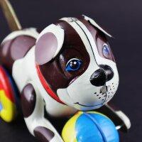 Blechspielzeug - Hund mit buntem Ball - Blechhund